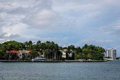 Vista de propiedades ubicadas en la cara sur de Star Island, Miami, Estados Unidos, 22 de septiembre de 2021.