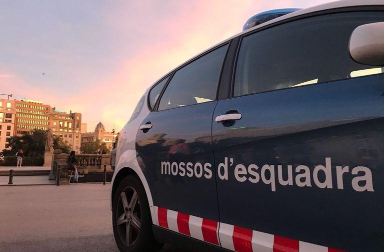 Un patrulla de los Mossos d'Esquadra en Barcelona.