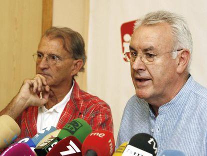 Cayo Lara y la cabeza de lista de la coalición por Murcia al Congreso, Pedro Costa.