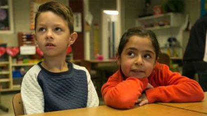 Fotograma de 'Miss Kiet's Children'.