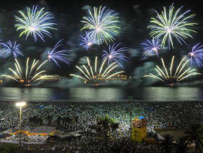 Fuegos artificaless en Copacabana al inicio de 2013.