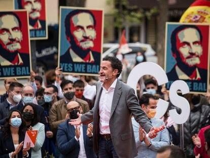 El candidato de Ciudadanos a la presidencia de la Comunidad de Madrid, Edmundo Bal, durante un acto del partido en la Plaza del Dos de Mayo, el sábado.