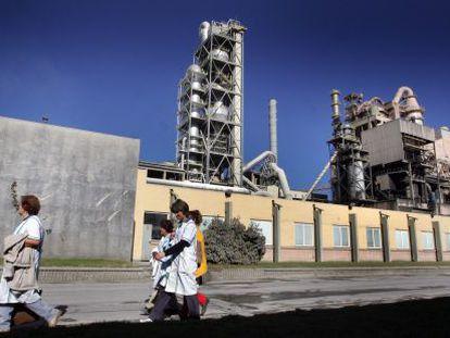 Planta de cemento de Cemex en Buñol (Valencia).