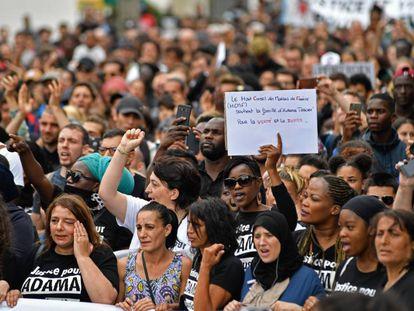 Manifestación en memoria de Adama Traore en París, en julio de 2017.