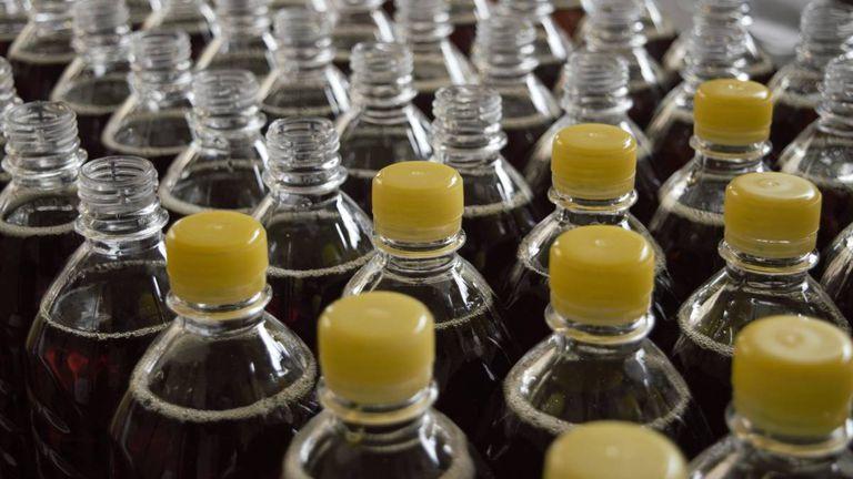 Botellas de refrescos con alto contenido en azúcar