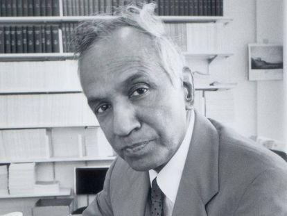 El Astrofísico S. Chandrasekhar en la Universidad de Chicago