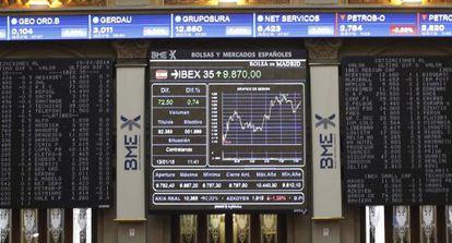 Vista de una pantalla de la Bolsa de Madrid.