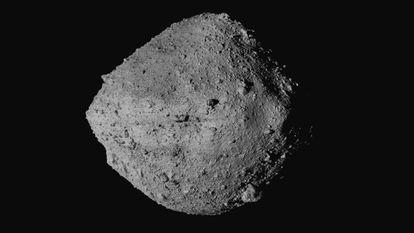 Imagen del asteroide Bennu tomada por la nave 'OSIRIS-REx'.