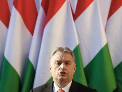 El Partido Popular Europeo sopesa la suspensión del partido del primer ministro húngaro sin llegar a su expulsión