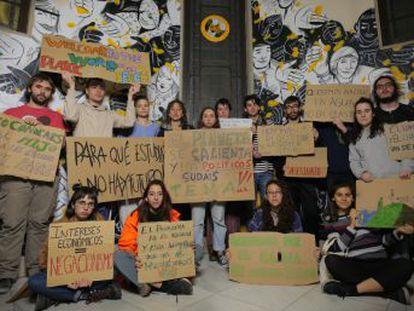 Las asociaciones Juventud por el Clima y Fridays for Future preparan la protesta convocada este viernes a nivel mundial para denunciar  la emergencia climática  del planeta