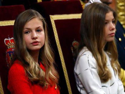 Las infantas Leonor y Sofía, en la sesión de apertura del Congreso. En vídeo, declaraciones de Felipe VI.