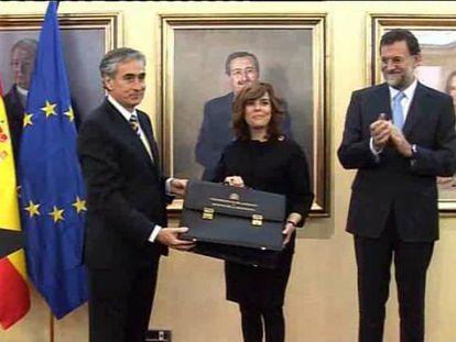 Rajoy da la coordinación de todo el poder a Sáenz de Santamaría