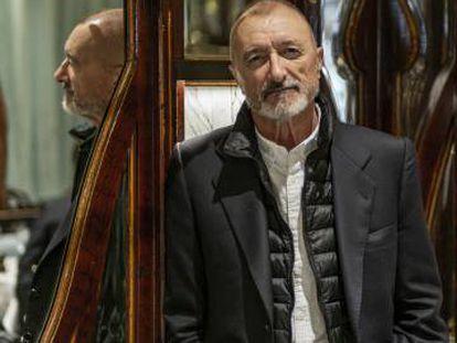 Arturo Pérez-Reverte en París el 1 de octubre.