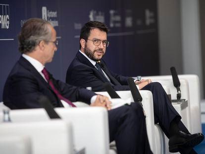 El presidente del Círculo de Economía, Javier Faus, y el presidente de la Generalitat, Pere Aragonès, en un acto reciente.