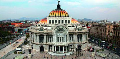 Fachada del palacio de Bellas Artes de México, sede cultural de referencia del país.