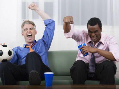 En el mundo de las imágenes de 'stock' siempre se está celebrando un gol, en la oficina o no