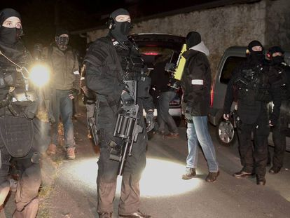 Operación policial contra ETA en el sur de Francia en diciembre de 2016.