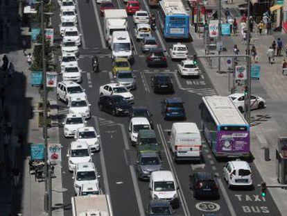 El PP plantea modificar las restricciones de tráfico en el centro, pero cualquier cambio requerirá un difícil acuerdo en el pleno y se mirará con lupa desde la Comisión Europea