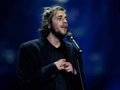 El cantante Salvador Sobral durante su actuación en el festival de Eurovisión de 2016.