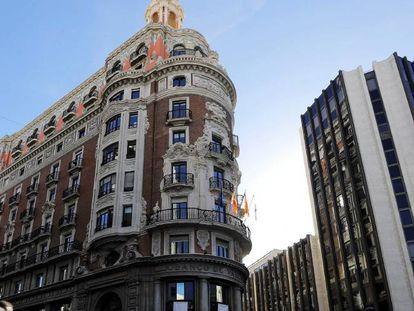 El edificio histórico del Banco de Valencia, donde CaixaBank ha trasladado su sede social