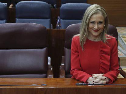 La presidenta de la Comunidad de Madrid, Cristina Cifuentes, hoy, en la Asamblea de Madrid.