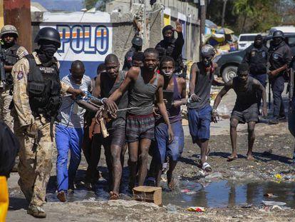 La fuga de más de 400 prisioneros en Haití, en imágenes