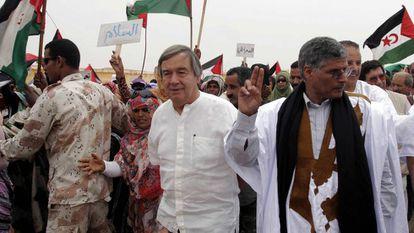 Antonio Guterres durante una visita al campo de refugiados de Tinduf en 2009.