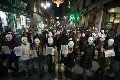 Manifestación convocada bajo el lema No es pobreza esinjusticia, celebrada enBarcelona en diciembre de 2014.