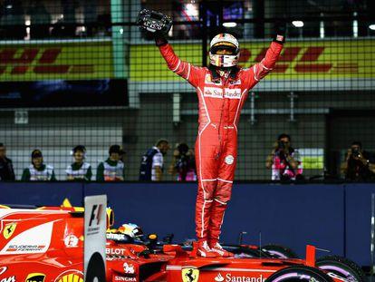 Sebastian Vettel, tras lograr la 'pole' en Singapur.