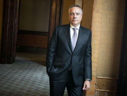 Pere Navarro, en los pasillos del Parlament, la semana pasada.