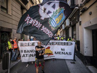 Manifestacion de extrema derecha y neonazis desde la plaza de Chueca hasta la Puerta del Sol.