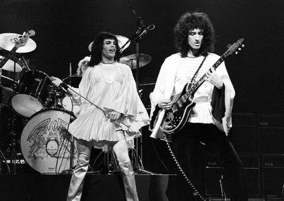 Freddie Mercury y Brian May en 1975.