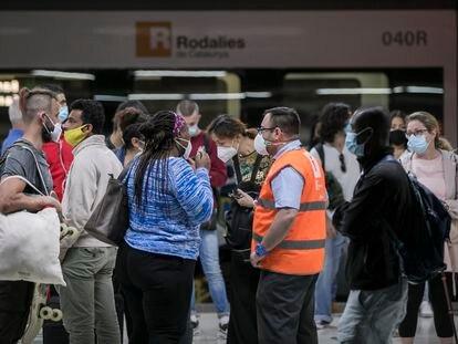 Tercer día de huelga de los maquinistas de Renfe en la estación de Sants.
