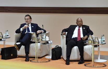 El presidente Rajoy con Jacob Zuma, de Sudáfrica, en el G20.
