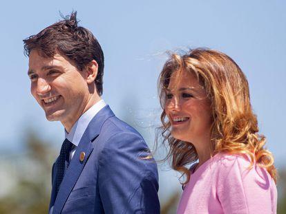 Justin Trudeau junto a Sophie Grégoire, en una imagen de archivo de 2018, en Quebec (Canadá).