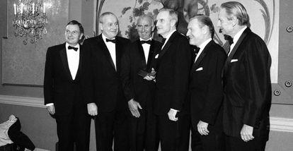 Foto de 1967 de los cinco hermanos Rockefeller. De izquierda a derecha: David, Winthrop, Frank Pace, John D., Nelson y Laurence Rockefeller.