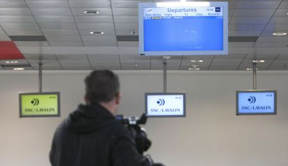 Pantallas informativas del aeropuerto de Castellón.