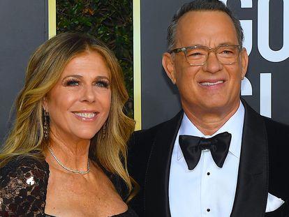 Tom Hanks y Rita Wilson, en los Globos de Oro de 2020.