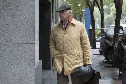 Rodrigo Rato, entrando en su casa de Madrid el pasado día 19.