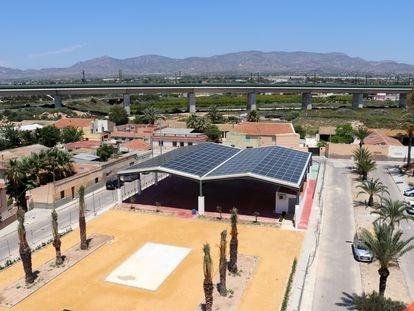Instalación fotovoltaica en El Realengo, pedanía de Crevillent (Alicante), impulsada por Enercoop.