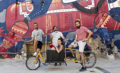 Los organizadores de Asalto: Sergio Beltrán, Luis García, Isabel Tris y Alfredo Martínez.