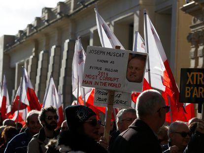 Una protesta contra el exprimer ministro maltés, Joseph Muscat, en enero de 2020.