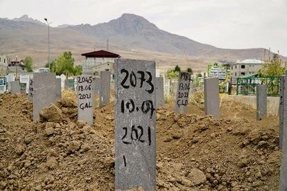 Cementerio en Van (Turquía) con tumbas de migrantes, sobre todo afganos, que mueren de frío en las montañas.