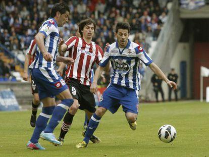 Iturraspe, en el centro durante el partido ante el Deportivo.