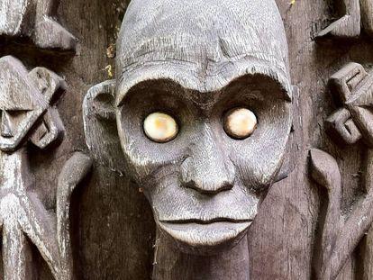 Escultura vudú. La brujería pone en peligro la salud y el bienestar de muchas personas en el mundo.