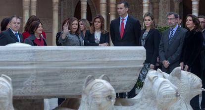 Los Príncipes de Asturias junto a Díaz, en la Alhambra.