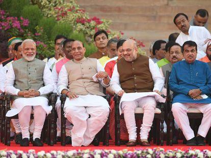 El primer ministro indio, Narendra Modi, a la izquierda, antes de la ceremonia de toma de posesión este jueves en Nueva Delhi.