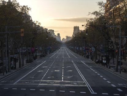 El centro de Barcelona, a primera hora de este domingo.