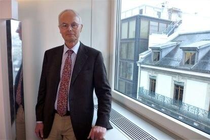 Álvaro de Orleans, en Ginebra el 26 de febrero.