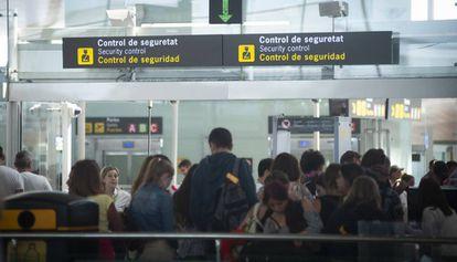 Huelga de los controladores de seguridad del aeropueto El Prat.